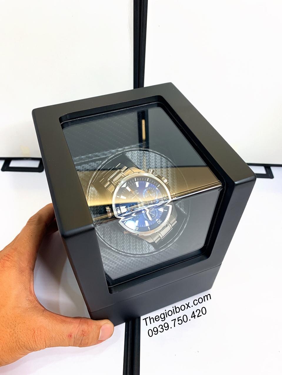 hộp xoay 1 đồng hồ cơ vỏ bằng gỗ màu đen sang trọng